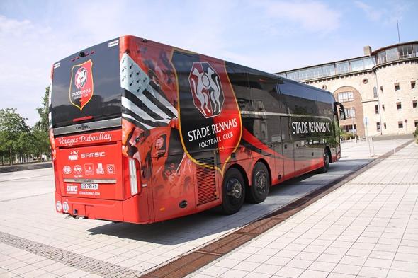 Decopub 35 - Marquage du bus du Stade Rennais FC